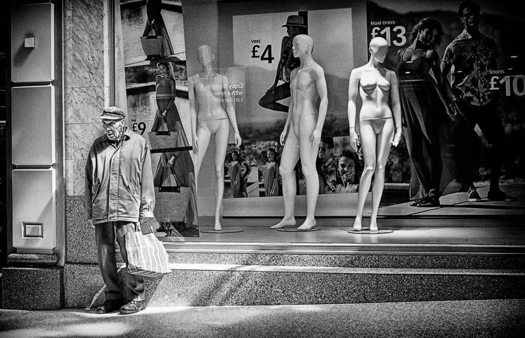 Street Photographs by Bridget Gill 19